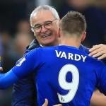 Ranieri abbraccia Vardy: le due icone del Leicester
